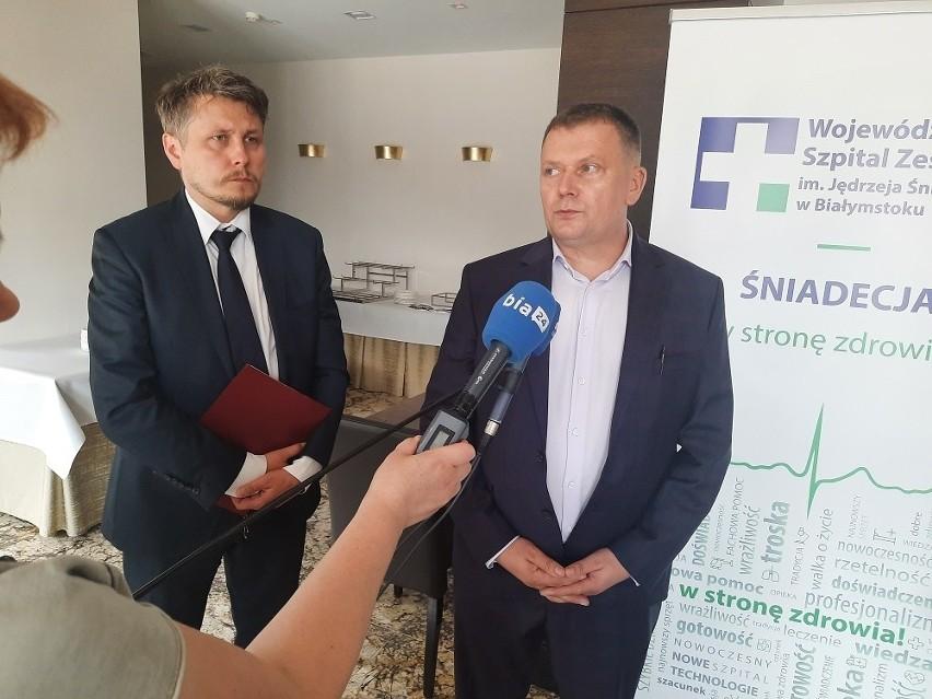 Konferencja prasowa szefów Śniadecji i szpitala w Taurogach.