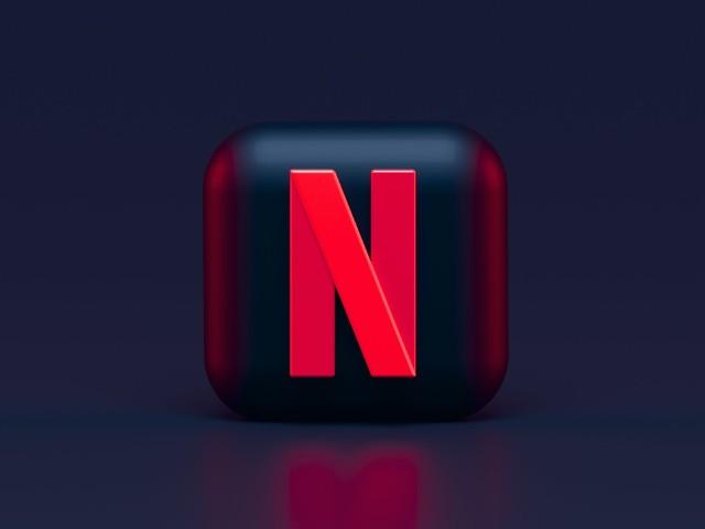 Netflix stawia na polski rynek i zapowiada 8 nowych produkcji filmowych, które swoją premierę będą miały w 2021 roku. Jesteście ciekawi, o jakich tytułach mowa? Sprawdźcie u nas >>
