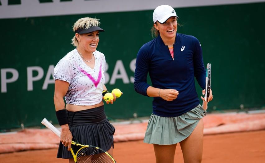 Roland Garros. Świątek i Mattek-Sands nadal nie do zatrzymania. Polka i Amerykanka w finale debla. 82 lata po Jędrzejowskiej