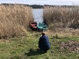 Idealne miejsce na weekendowy wypad. Odkryłeś już tę miejscowość, która podzielona jest na pół i ma piękne jezioro?!
