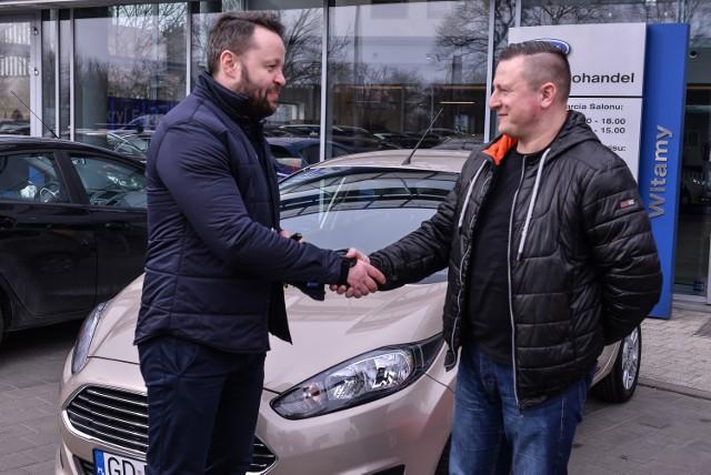 """Zwycięzca konkursu """"Wygraj Forda"""" odebrał samochód w BIG AutoHandel Gdańsk"""