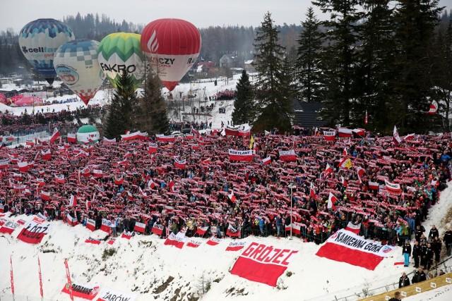 Zawody w Zakopanem to wielkie święto kibiców skoków narciarskich.