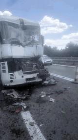 Wypadek na S1. Kolizja trzech samochodów ciężarowych na trasie do Pyrzowic. Na szczęście nie ma ofiar