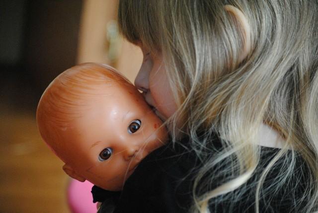 Najczęściej przekroczenia dozwolonych poziomów ftalanów - niebezpiecznych substancji wykrywano w lalkach (szczególnie w głowach i tułowiu) oraz piłkach