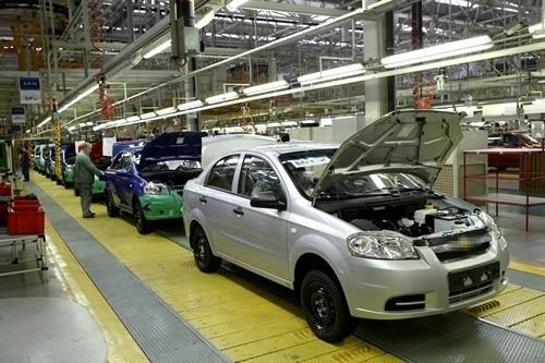 Linia produkcyjna w gliwickiej fabryce Opla.