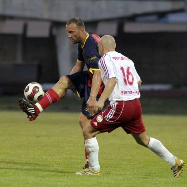 Tomasz Copik (z lewej) zagra w Jastrzębiu od pierwszej minuty.