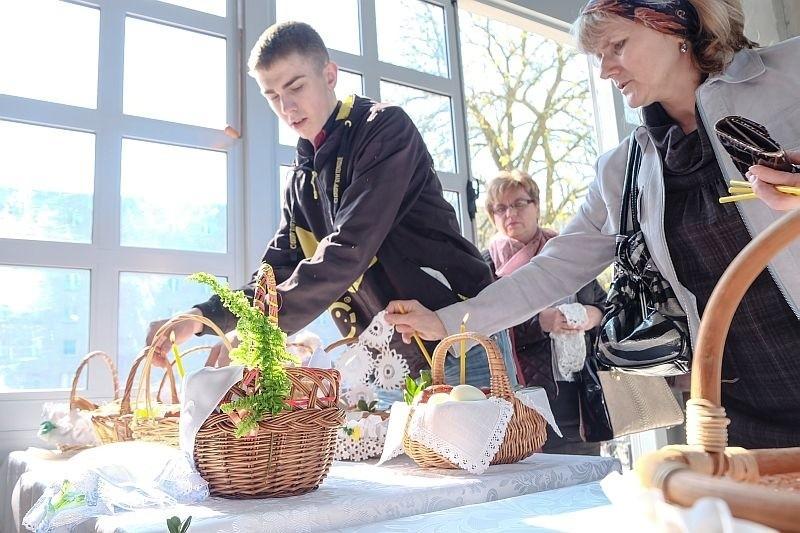 W Wielką Sobotę prawosławni święcą pokarmy, odwiedzają...