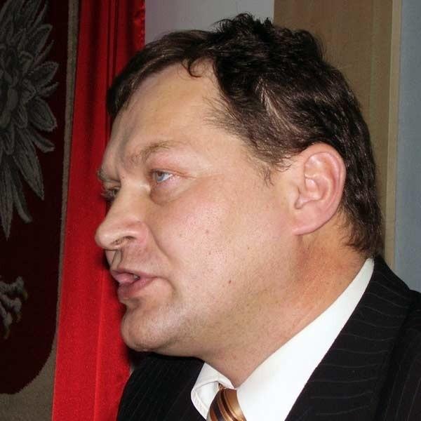 - Nie widzę powodu, dla którego mielibyśmy sprzedawać samochód - stwierdził Mieczysław Tołpa, wójt gm. Leżajsk.