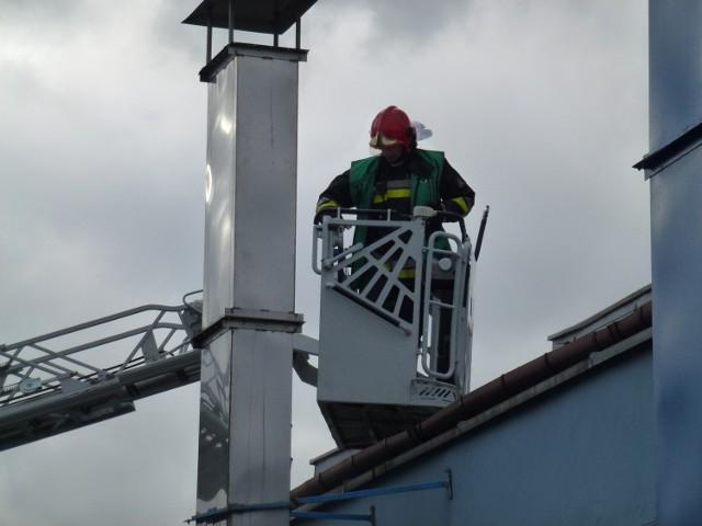 200 osób ewakuowano w Gnieźnie z firmy Trepko, produkującej automaty pakujące po tym jak rano w czwartek wybuchł tam pożar.