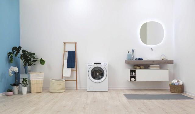 Pralko-suszarka jest idealnym rozwiązaniem dla osób, którym brakuje miejsca na tradycyjne suszenie prania bądź dla tych, których widok takiego prania bywa irytujący.