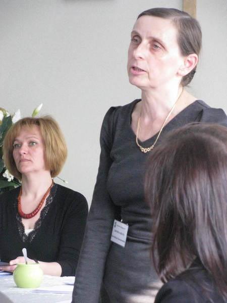 Ewa Karczewska przekonywała, że problem z bezdomnymi psami wynika z niefrasobliwości i braku odpowiedzialności ich właścicieli