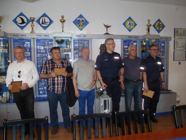 Ryszard Wiczyński - sołtys wsi Janikowo Górne (drugi od prawej strony)