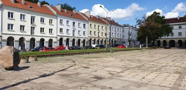 Nowy szpaler drzew zostanie posadzony na Starym Rynku od ul. Zgierskiej.