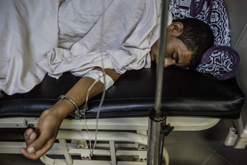 Ranni ocaleńcy z łodzi śpią w szpitalu w Rosetcie