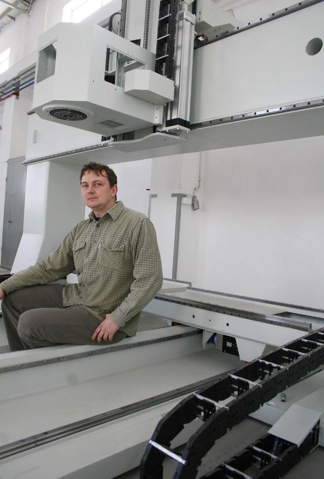 Inżynier Wojciech Wójcik, twórca genialnej maszyny.