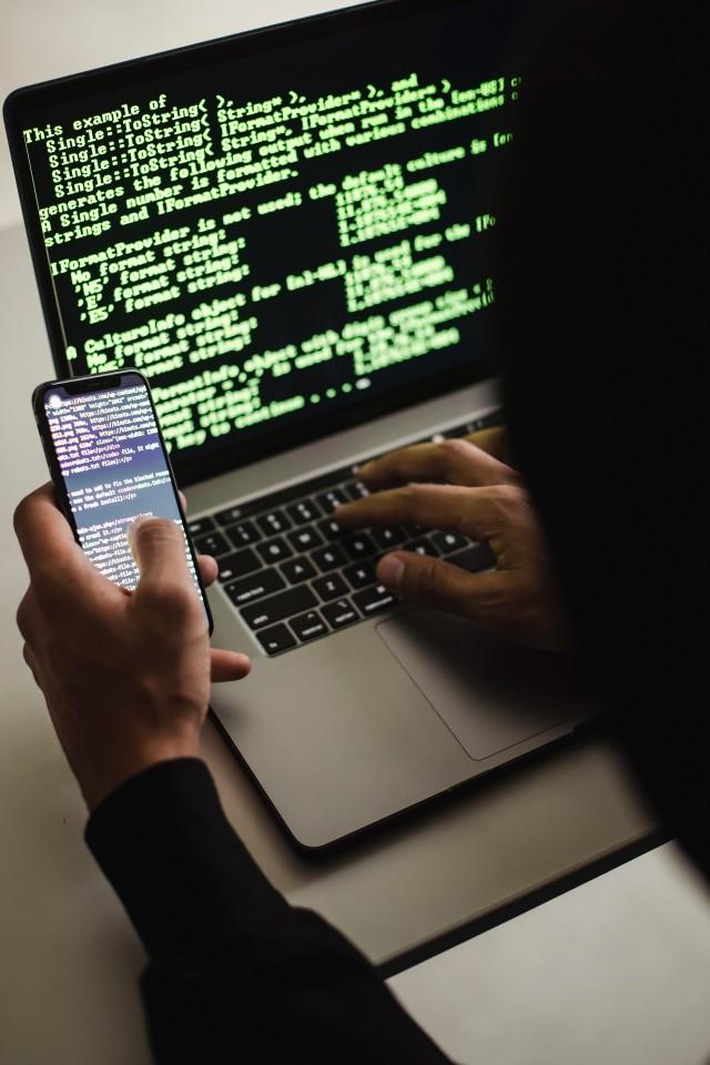 Typ wirusa, który znalazł się w aplikacji ma głównie na celu wykradać kontakty i wysyłać SMS-y z zainfekowanych urządzeń, by zwiększać skalę przestępstwa