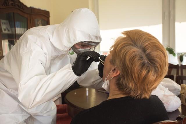 Spośród zakażonych koronawirusem w powiecie myślenickim 5 osób jest hospitalizowanych, a 41 przebywa w izolacji