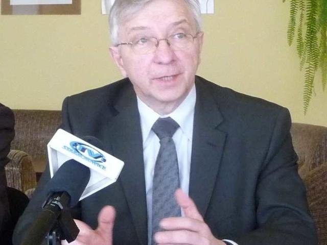 Poseł Prawa i Sprawiedliwości Krzysztof Lipiec uznał, poniedziałkowe spotkanie z udziałem parlamentarzystów PO w sprawie budowy obwodnicy Wąchocka było nieporozumieniem.