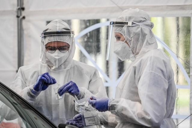 Mobilny punkt testowania na obecność koronawirusa działa od dzisiaj przy Instytucie Medycyny Morskiej i Tropikalnej w Gdyni