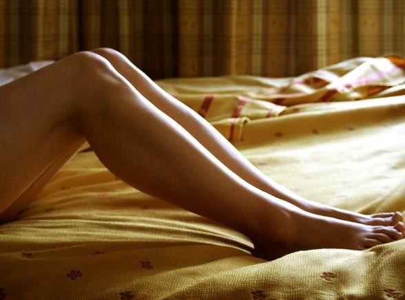 zdjęcia nastolatek rozłożone nogi
