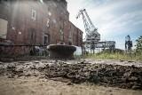 Zdemolowali siedzibę artystów WL4 Przestrzeń Sztuki w Gdańsku na terenie Młodego Miasta. Znaleziono rzeźbę Księżyca. Policja szuka sprawców