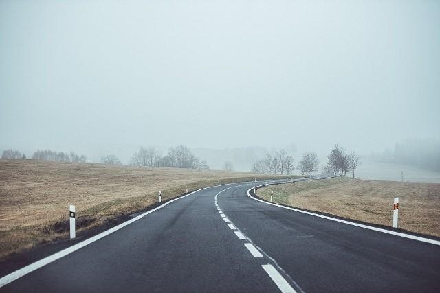 Rano i w nocy możliwa mgła ograniczająca widzialność do 200 metrów