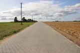 Mieszkańcy Wilkowa mają drogę, bo przekazali gminie Sępólno Krajeńskie materiał do budowy