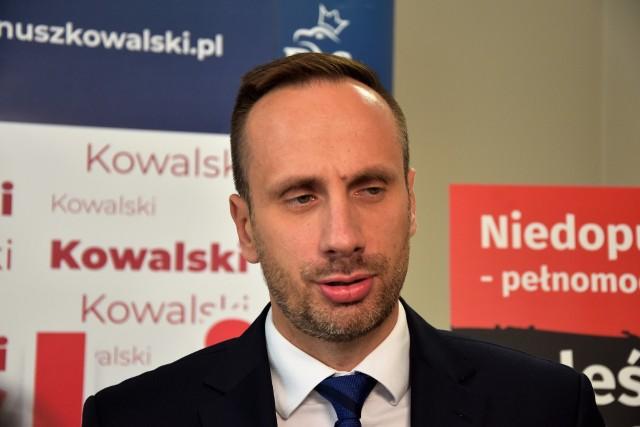 Janusz Kowalski już nie jest wiceministrem aktywów państwowych. Jacek Sasin: Mateusz Morawiecki podpisał dymisję