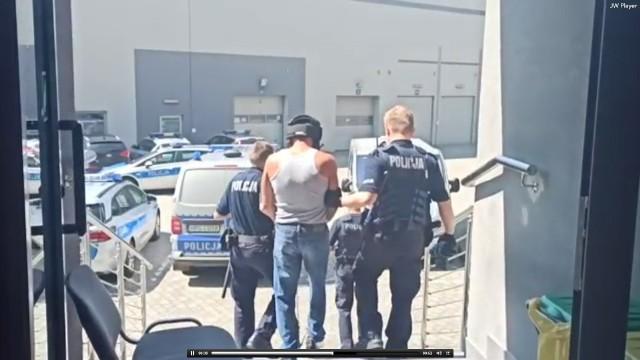 Wojciech K. był doprowadzony na przesłuchanie na policji