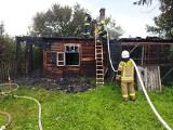 Pożar pod Zwoleniem. Drewniany dom spłonął niemal doszczętnie