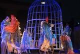Krakowski Teatr Kto wystawił sztukę w Starej Rzeźni w Poznaniu. Zobacz jak wyglądało sobotnie przedstawienie w plenerze [GALERIA]