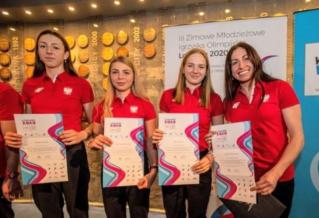 Hanna Popko (druga z prawej) po ślubowaniu w Polskim Komitecie Olimpijskim