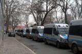 Wrocław: Kilkadziesiąt radiowozów. Tak policja pilnowała demonstracji z Piniorem na czele