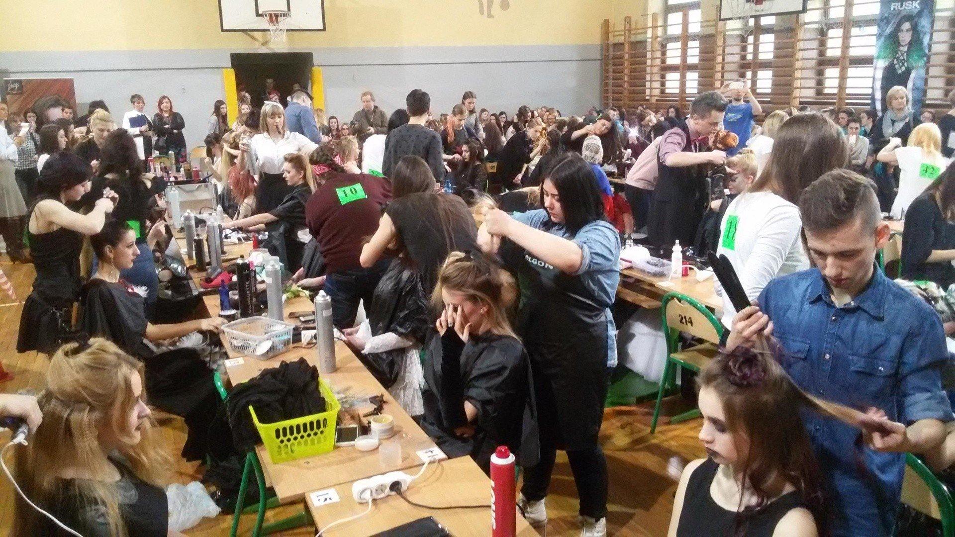 Iv Międzynarodowy Konkurs Fryzjerski W żywcu Zdjęciawideo