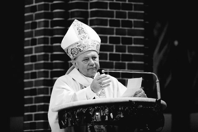 Ks. biskup Gerard Kusz był pierwszym biskupem pomocniczym w historii diecezji gliwickiejPrzesuwaj zdjęcia w prawo - naciśnij strzałkę lub przycisk NASTĘPNE