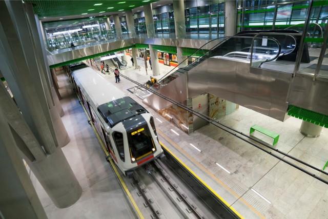 Warszawa z poślizgiem otworzyła drugą linię metra. Wrocław chce mieć ich... siedem