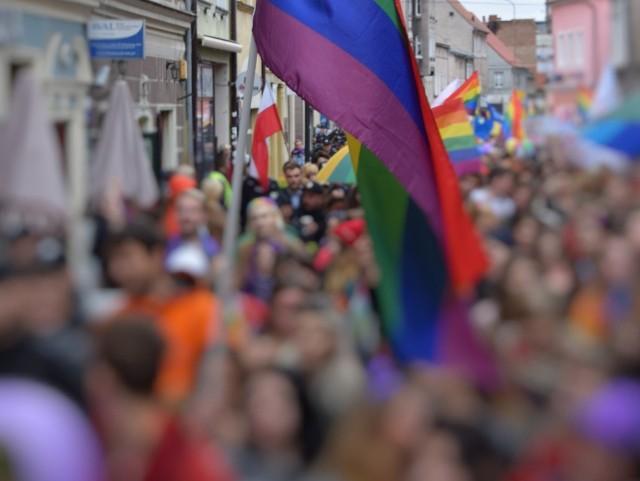 """Zielonogórska firma odmówiła wydruku ulotek anty-LGBT. """"Uznaliśmy, że jej przesłanie nawołuje do dyskryminacji""""."""