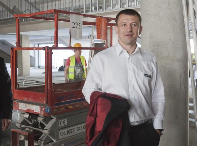 Maj 2011. Tomasz Adamek na budowie wrocławskiego stadionu