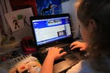 1500 zł na zakup komputera dla dzieci. Jakie są kryteria przyznawania dotacji KRUS i jak wypełnić wniosek?