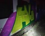 Funkcjonariusze SOK w Kostrzynie ujęli grafficiarza. Zdążył pobazgrać wagony szynobusu. 31-latkiem zajmie się policja