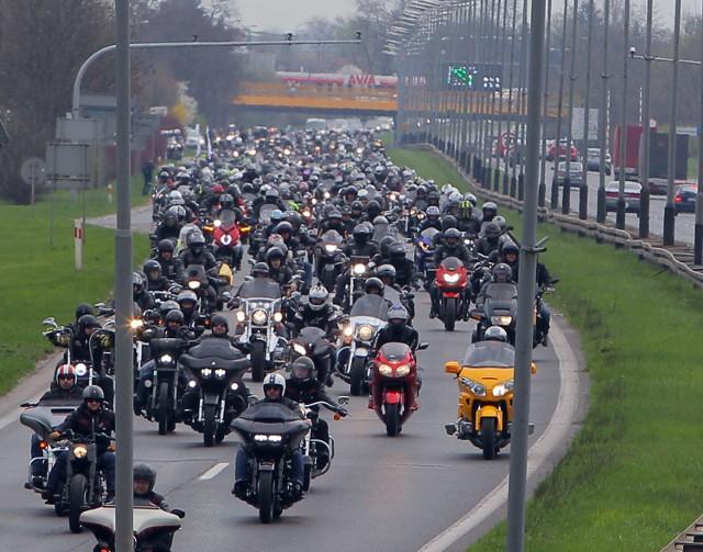 Poznań zaczyna sezon motocyklowy 2018ZOBACZ TAKŻE: Motofakty - najnowsze informacje ze świata motoryzacji