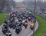Poznań zaczyna sezon motocyklowy 2018 na Torze Poznań. City Run Poznań, czyli parada motocykli, koncerty i pokazy straży pożarnej