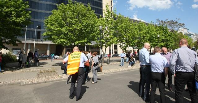 Ewakuacja w Arkadach Wrocławskich, zdjęcie ilustracyjne