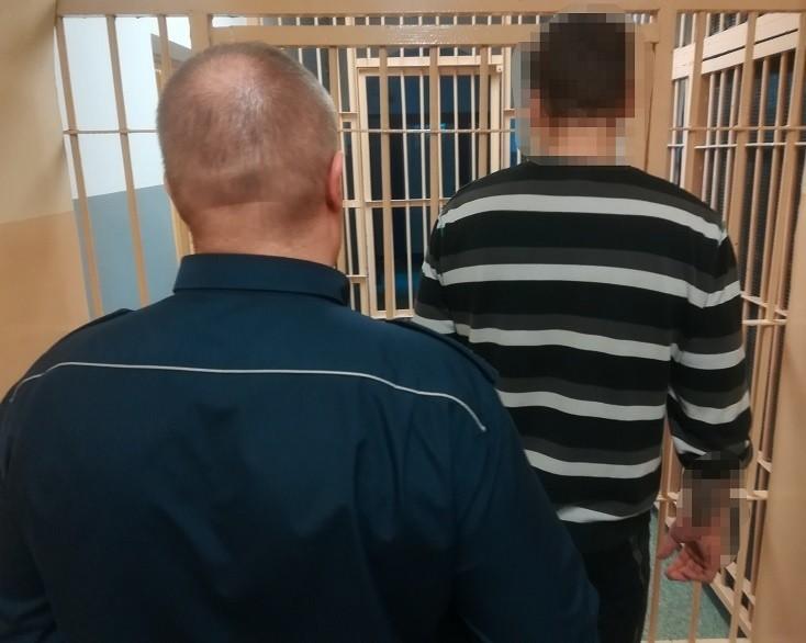 41-latek ścigany listem gończym zatrzymany przez policjantów.
