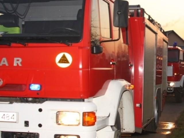Jadący tą trasą kierowcy muszą liczyć się z utrudnieniami - na drodze wprowadzono ruch wahadłowy.