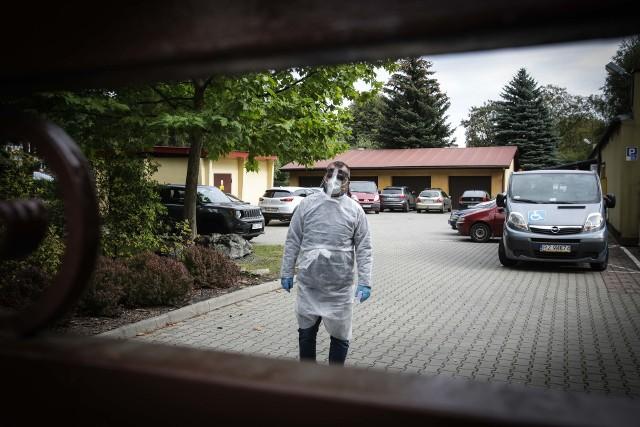 Koronawirusa w rzeszowskim DPS-ie potwierdzono już u 57 osób. Trwają kolejne badania.