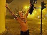 Jak witano Nowy Rok 2021 w Łodzi? O północy łodzianie wyszli na ulice mimo godziny policyjnej