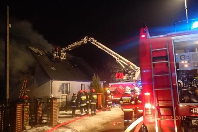 Pożar domu w okolicy Grajewa. Rodzina straciła dach nad głową