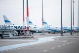 71-latka słono zapłaciła za żart o bombie w bagażu. Pilot nie wpuścił jej do samolotu. Kobieta nie wyleciała z Poznania na wakacje