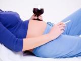 Zamykać kobiety, które piją w ciąży?!